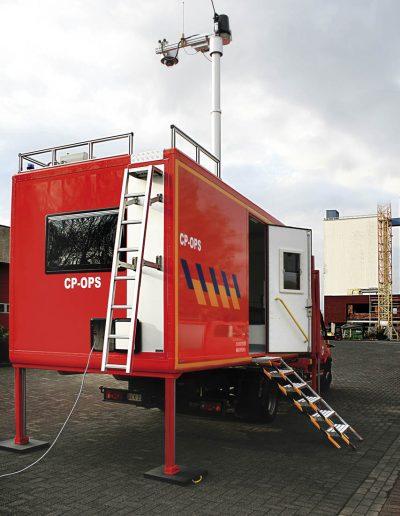 Mât de sécurité et système Guardian sur véhicule d'intervention
