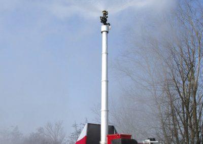 Système Aquamast pour extinction de feu sur remorque
