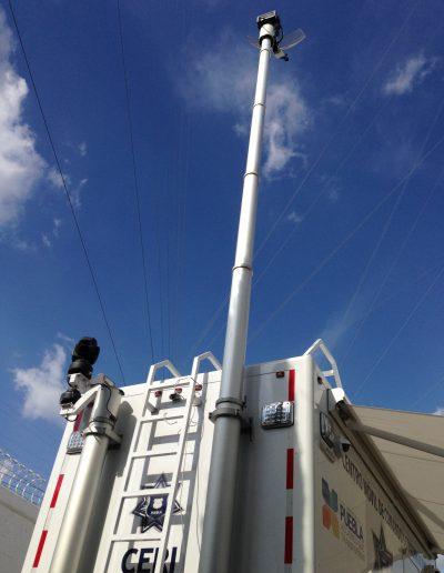 mat telescopique antenne sur camion