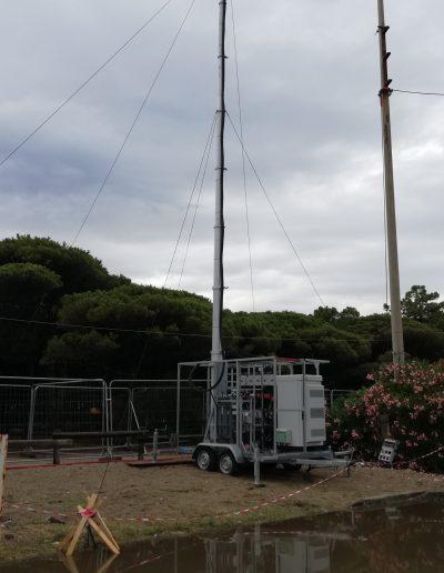Mats télescopique avec antenne télécom réseaux mobile
